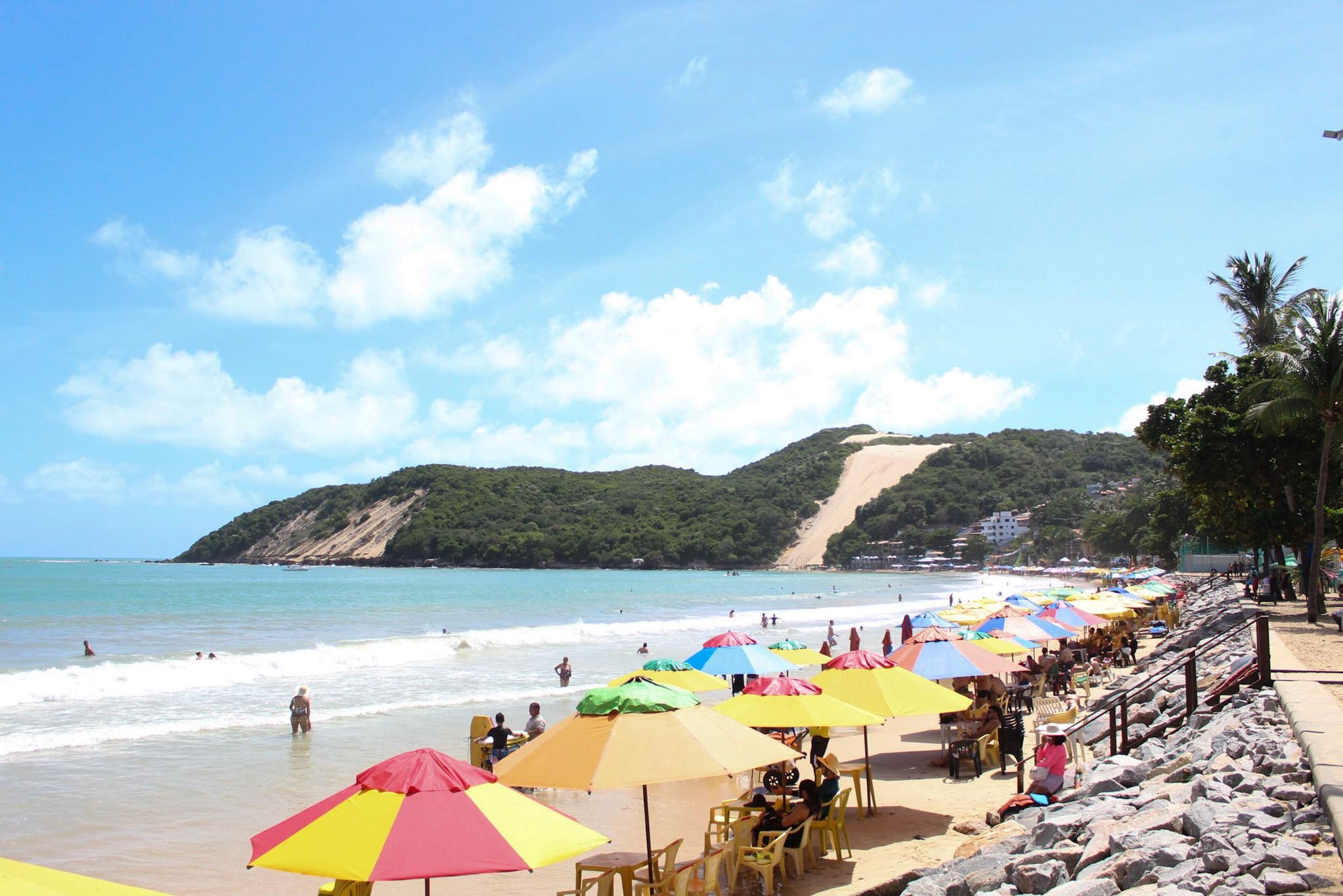 Praia de Natal tem trecho impróprio para banho, aponta boletim de balneabilidade